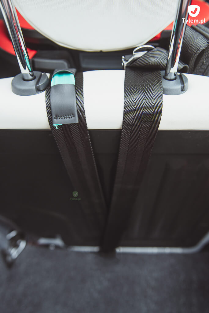 Top Tether z fotelikiem Britax Advansafix IV w Fiat 500