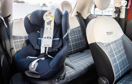 Cybex Sirona S - Fiat 500. Mały samochód i fotelik samochodowy