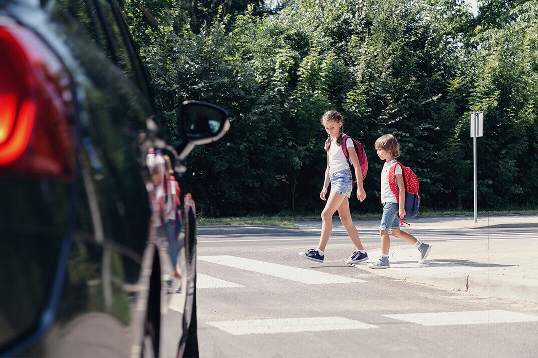 pierwszeństwo dla pieszych wchodzących na przejście